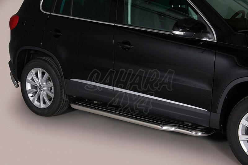 Estribos en plataforma con tubo inox Ø50mm para Volkswagen Tiguan 2011- -