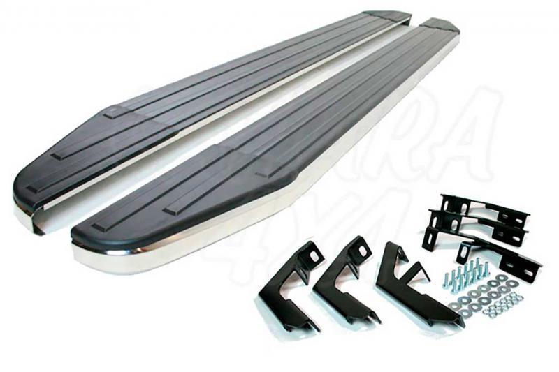 Estribos modelo BLADE en plataforma para Ford Ranger 2012-