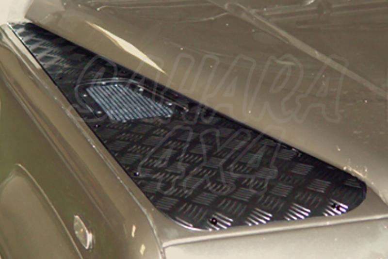Protectores de aletas delanteras en acero negro AFN para Land Rover Defender - Valido para diferentes modelos.