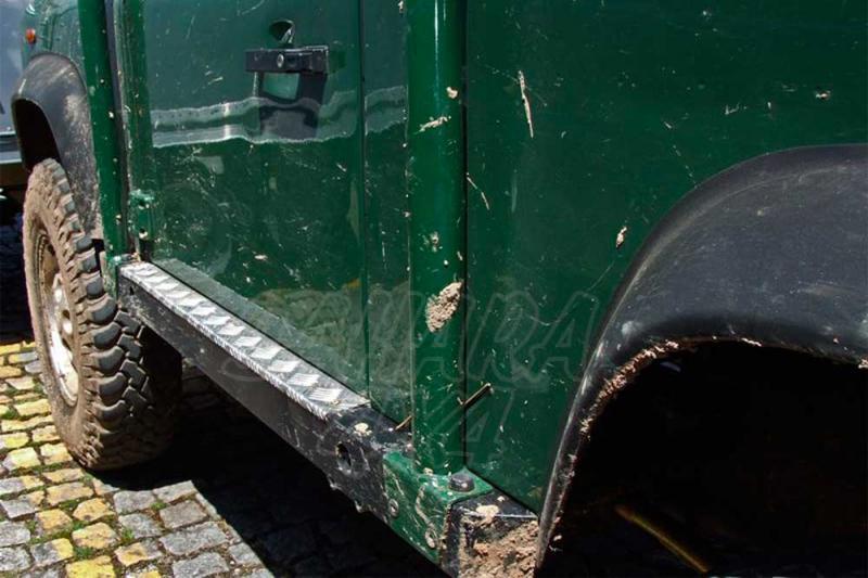 Taloneras/protecciones laterales para gato con aluminio antideslizante AFN para Land Rover Defender - Valido para diferentes modelos.