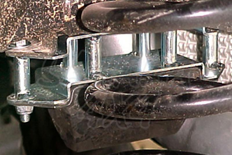 Kit trasero para bajar tope de suspensión AFN para Land Rover Defender  - Precio unidad.