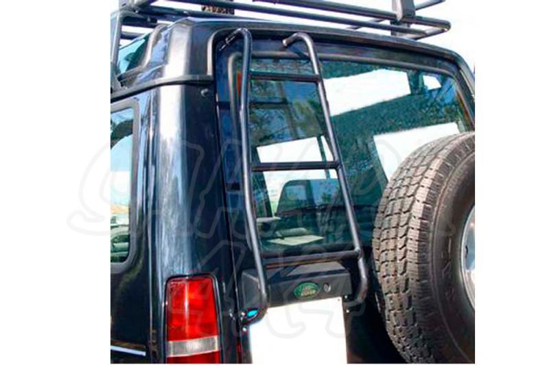 Escalera trasera de acceso al portaequipajes Land Rover Discovery I - Fabricado  en acero