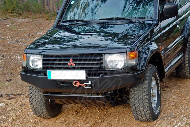 Parachoques frontal con base de cabestrante para Galloper/Mitsubishi -