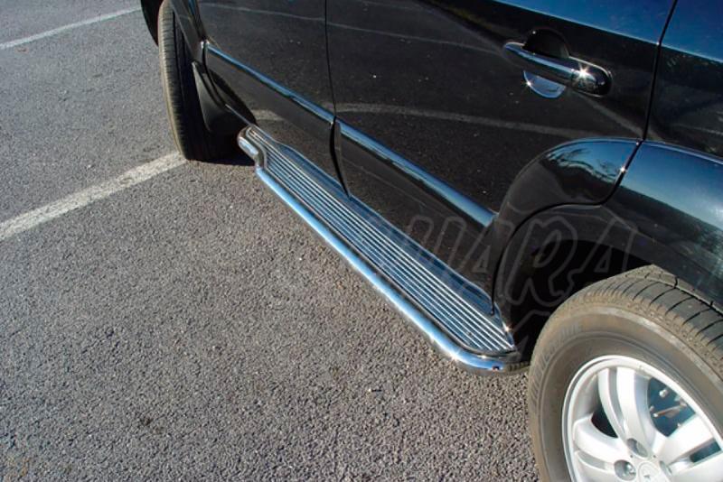 Estribos AFN en plataforma de aluminio con tubo inox para Hyundai Tucson 2004-2010 -