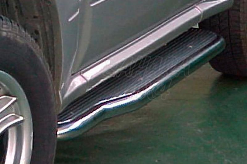 Estribos en plataforma de aluminio con tubo inox Ø50mm AFN para Suzuki Vitara/Grand Vitara - Para 3 puertas