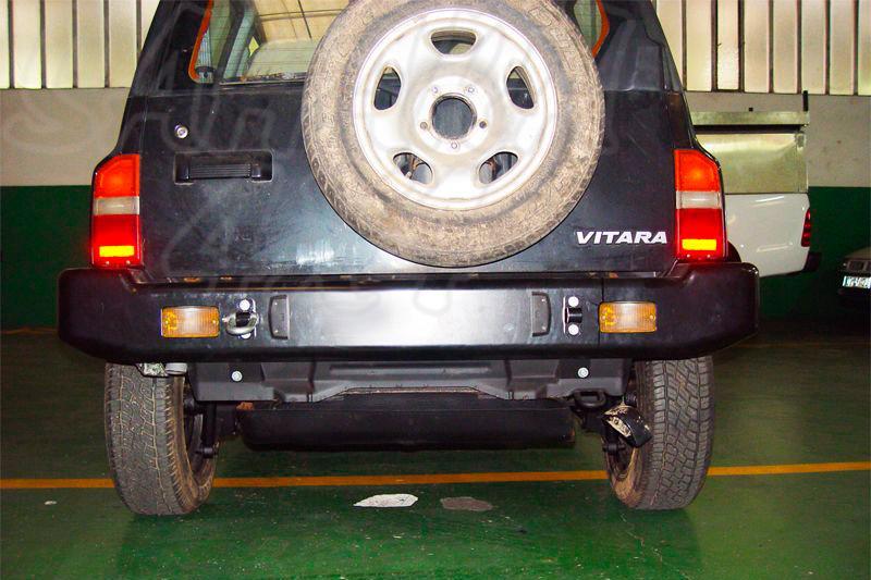 Parachoques trasero con huecos para pilotos AFN para Suzuki Vitara 1990-1998