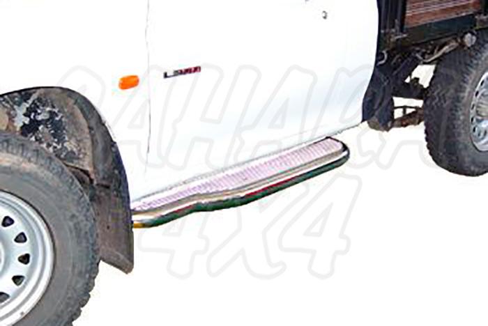Estribos en plataforma de aluminio con tubo inox V2 AFN para Mitsubishi L-200 2001-2006 - Para Simple cabina.