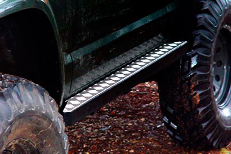 Protecciones laterales para gato con aluminio antideslizante AFN para Toyota LandCruiser KZJ90 - Para 3 puertas.