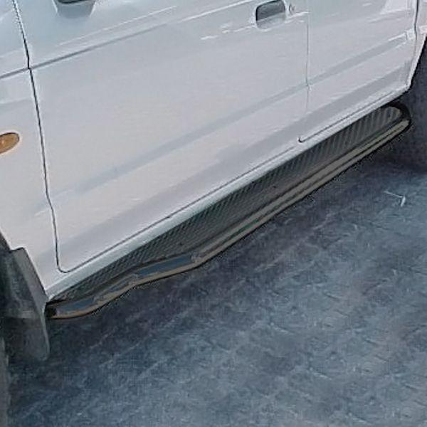 Estribos en plataforma de aluminio (estriado) con tubo negro Ø50mm para Ford Ranger 2006-2012