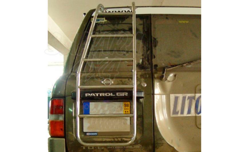 Escalera trasera de acceso al portaequipajes Nissan Patrol GR Y61 - Valido Patrol GR