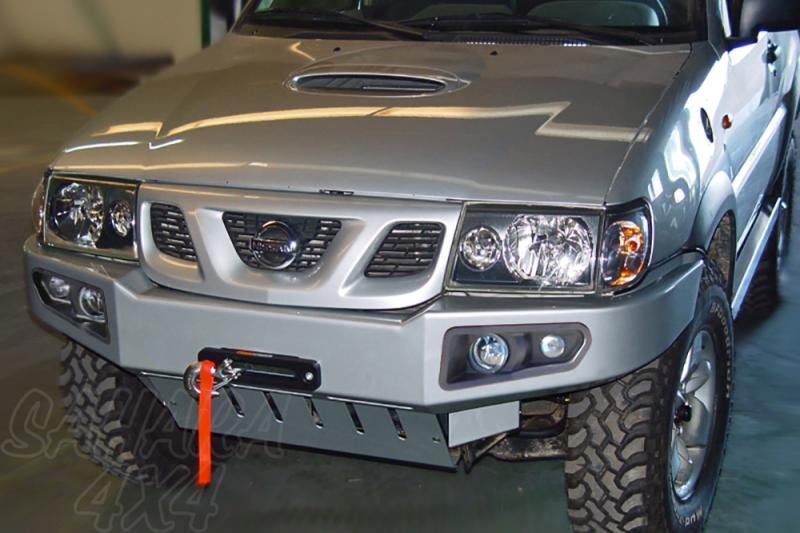 Parachoques frontal con base de cabestrante y con faros AFN para Nissan Terrano II 00-06 - Nuevo modelo con faros incluidos