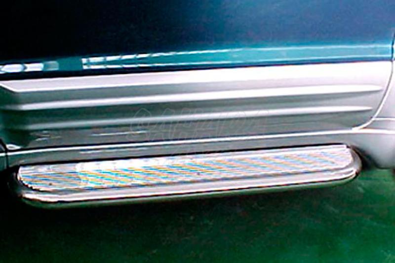 Estribos en plataforma de aluminio con tubo inox AFN para Mitsubishi Montero V60/V80 - Para V60 (5p)(no Sahel) 2000-2006 y V80 (5p) 2007-