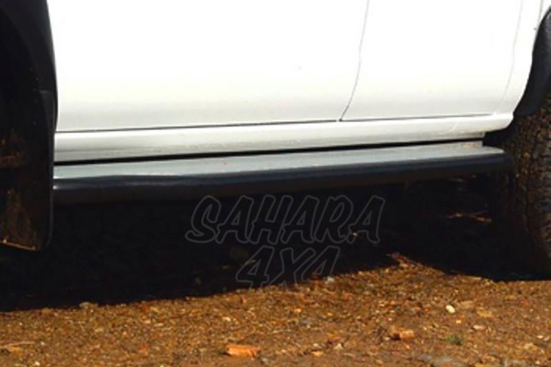 Estribos en plataforma de aluminio con tubo negro Ø60mm AFN para Nissan Navara D-22 2002-2005