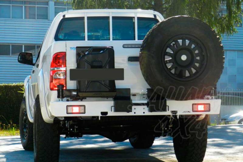 Parachoques trasero con doble soporte para rueda y bidón - Nota: * Referencia bajo pedido