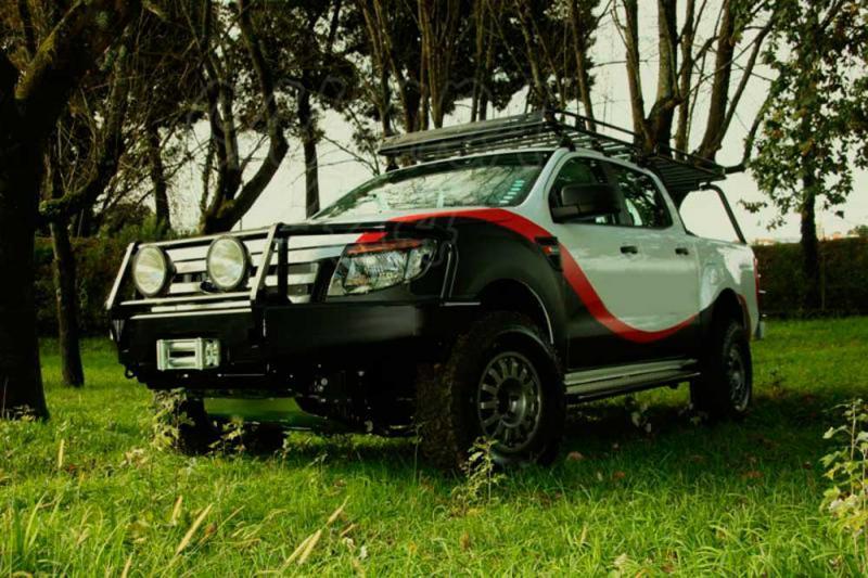 Parachoques frontal con base de cabestrante. Versión África para Ford Ranger 2012-