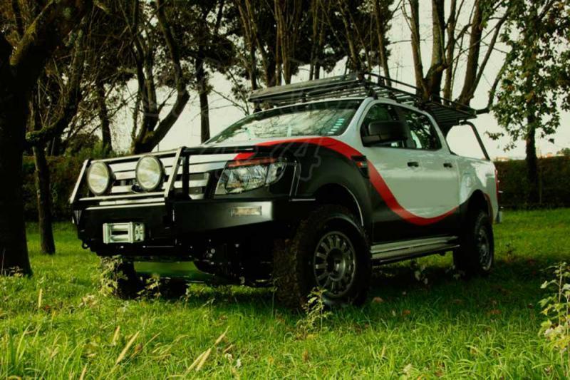 Parachoques frontal con base de cabestrante con hueco para faros. Versión Áfric para Ford Ranger 12- - Nota: Este accesorio no es homologable en España