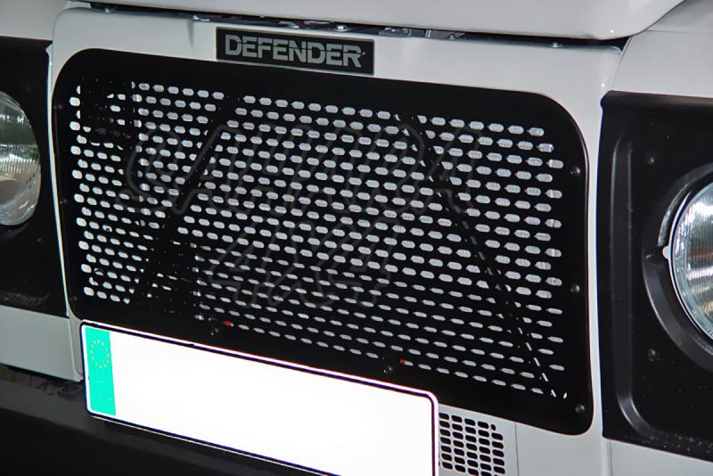Rejilla frontal perforada AFN en negro para Land Rover Defender - (18x9mm)