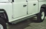 Estribos en plataforma de aluminio con tubo negro AFN para Land Rover Defender 130  -