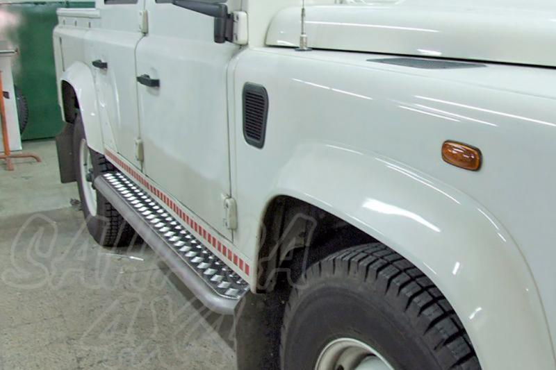 Estribos en plataforma de aluminio con tubo inox AFN para Land Rover Defender 110 1983- -