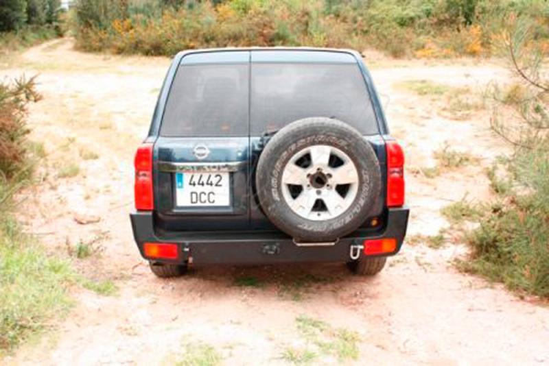 Parachoques trasero AFN  con huecos para pilotos para Nissan Patrol Y61 2005- -