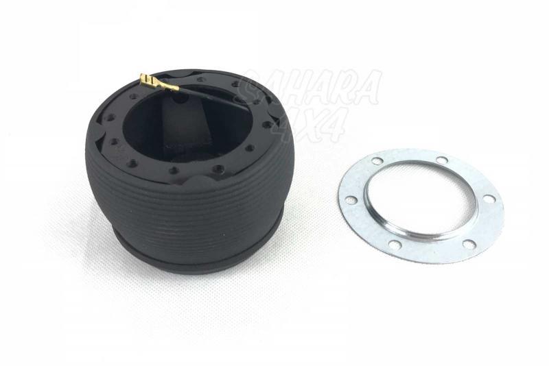 Piña de Adaptacion de Volante para Daihatsu Rocky - Medidas: 32 Estrías / 14.3mm Ø, pulse para más información.