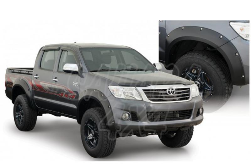 Aletines BUSHWACKER - Toyota Hilux 2011-2014 - Valido para doble cabina