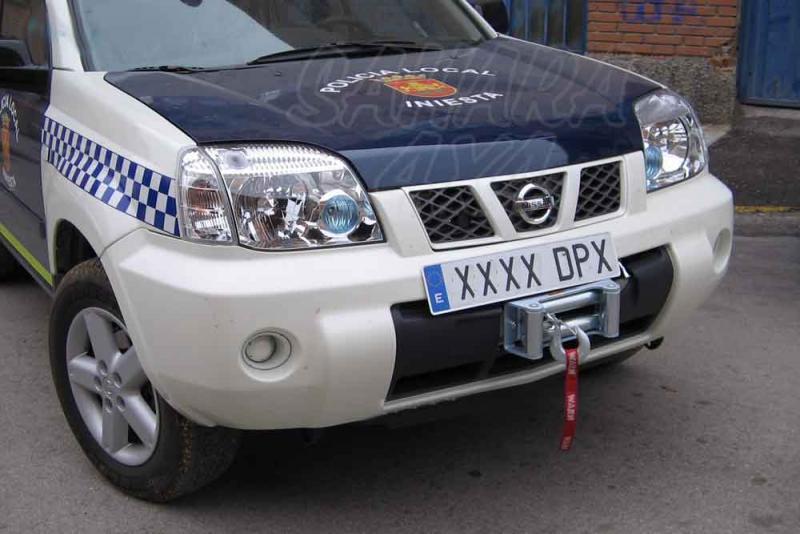 Soporte de Cabrestante Nissan X-Trail 2000-2004 - Soporte de montaje especifico para el montaje de cabestante. (especificar año del vehículo)