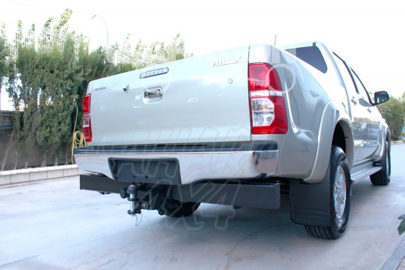 Enganche de Remolque Tipo Bulón Toyota Hilux con barra antiempotramiento 2005- - Consultar homologacion.