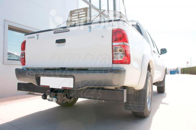 Enganche de Remolque Tipo Placa Toyota Hilux con barra antiempotramiento 2005- - Consultar homologacion.