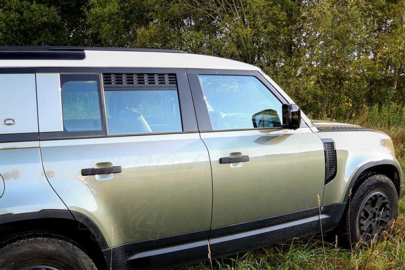 Placas de ventilación de las ventanas laterales traseras Defender 2020