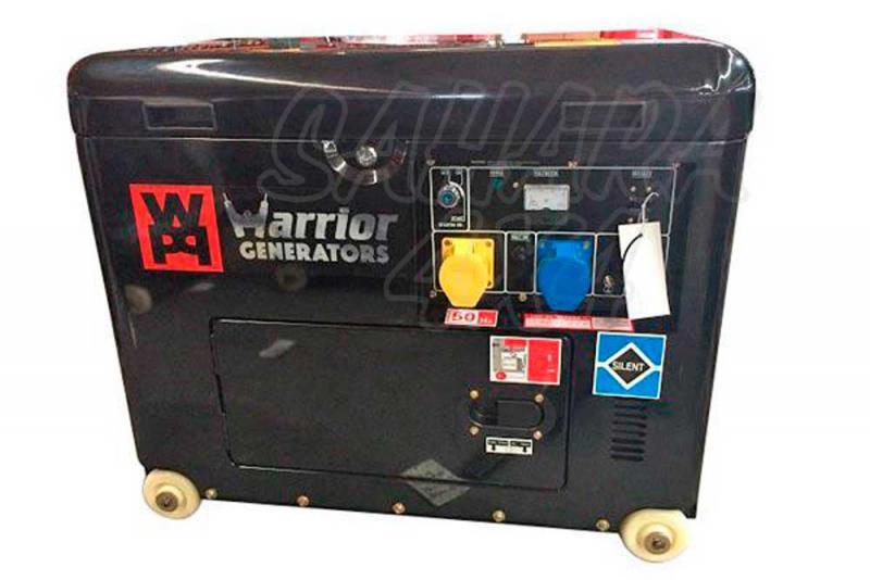 6Kva Generador Diesel Insonorizado Tri-fásico  - Equipado con cargador de bateria 12V, 415v y 240v enchufes monofásicos y trifásicos. Generador potente y fiable, equipado con un alternador sin escobillas sin necesidad de mantenimiento. Este generador, tiene arranque eléctrico de llave devido a su proteccion silenciosa.