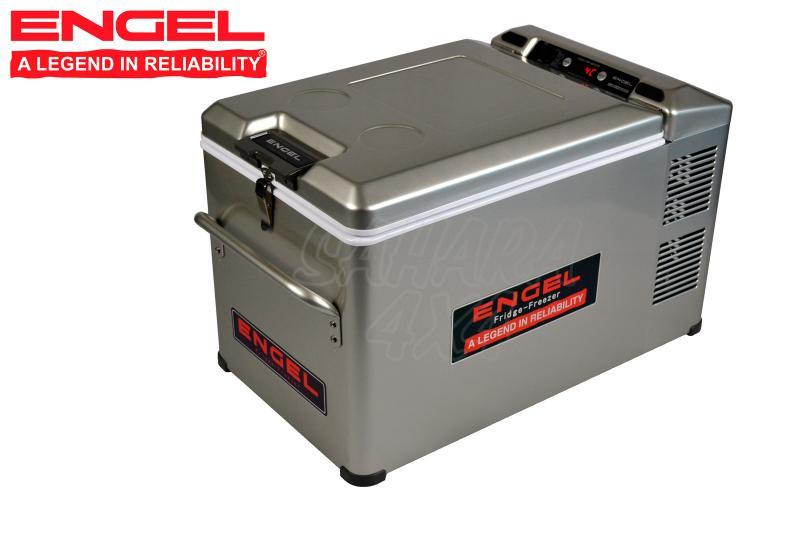 Nevera Congelador Engel MT-35F-G3-P 32 lts 12/24/230v - Tamaño 64.7x40.8x36.4 cm