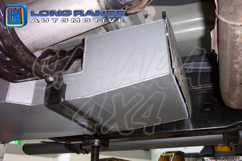 Depósito de reemplazo, 140L, Navara D40 - LRA Depósito de reemplazo, 140L. Fotografía generica.