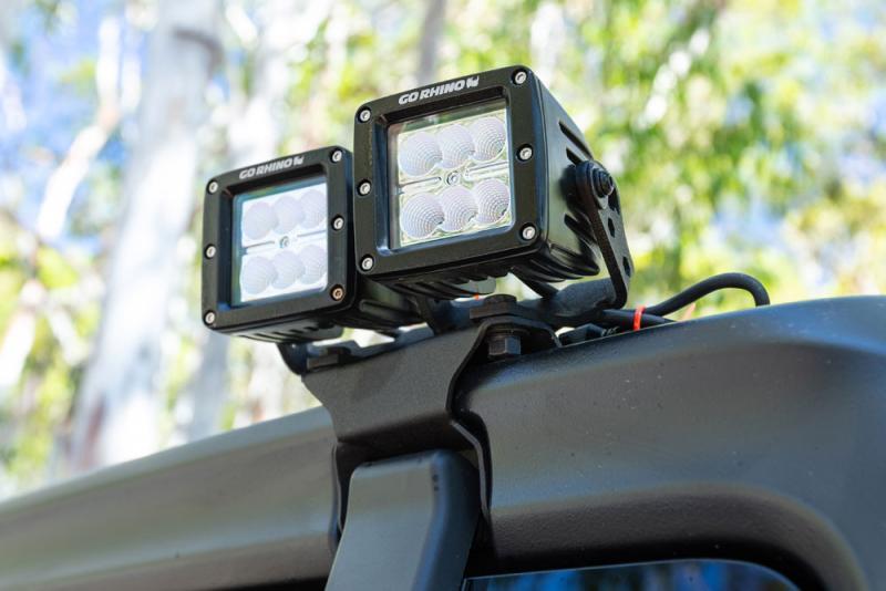 Soportes LED para bisagras de Hardtop Jeep Wrangler JL - Posibilidad de montar un faro o dos en cada soporte