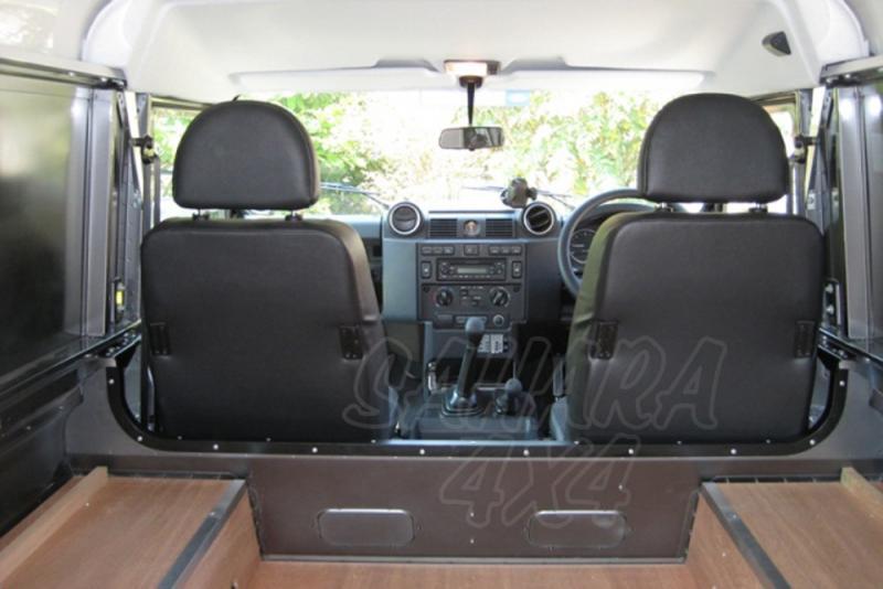 Eliminador separador de carga para Defender - Podrá reclinar los asientos con comodidad.