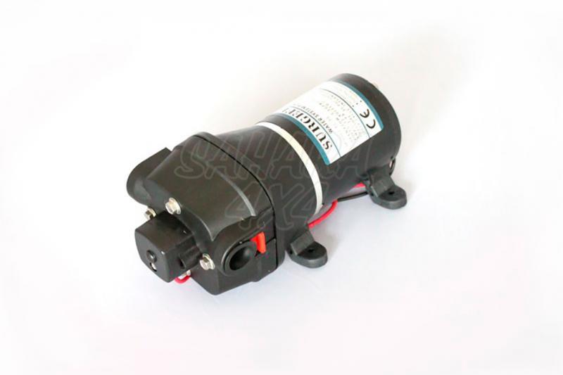 Bomba de Agua Front Runner 12.5 l/min - Valido para Bacas Front Runner